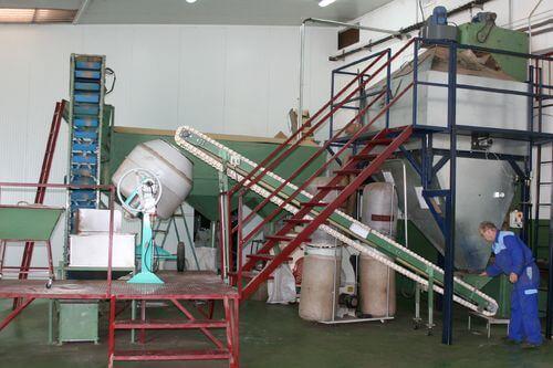 Piñones de Castilla - Vista de la maquinaria de la empresa
