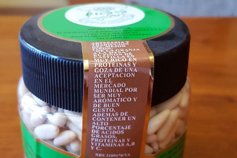 Tarro de Piñones etiquetado y dispuesto para su comercialización
